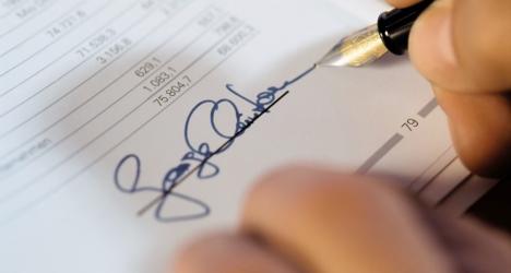 Signature d'un contrat FRA
