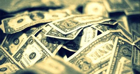 Pourquoi une entreprise peut-elle choisir de détenir des liquidités ?