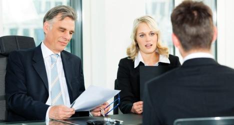 entretien-embauche-finance Généralisation des stages non-rémunérés en Suisse